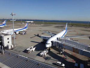 第2ターミナルは国内線の全日空機が多い