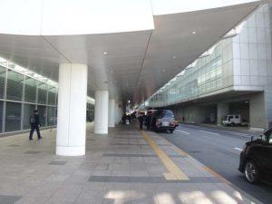 国際線ターミナルの到着コンコース