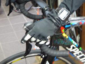真冬のサイクリングのグローブの防寒対策